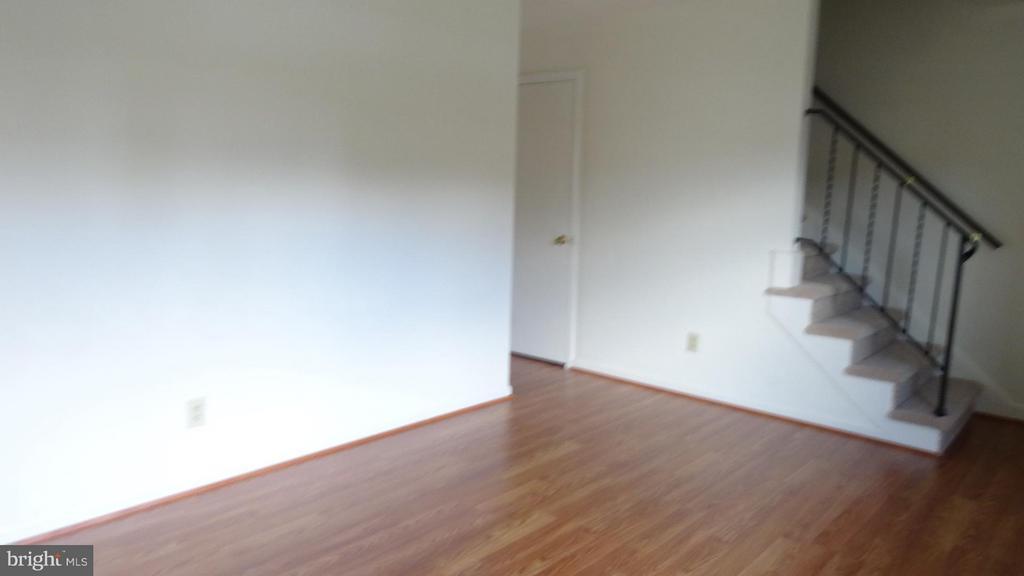 Living Room - 306 GARFIELD CT, FREDERICKSBURG