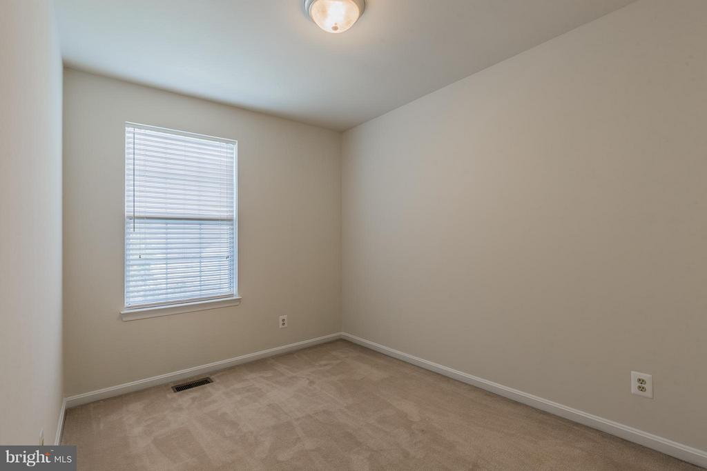 Third Bedroom - 2585 MIRANDA CT, WOODBRIDGE