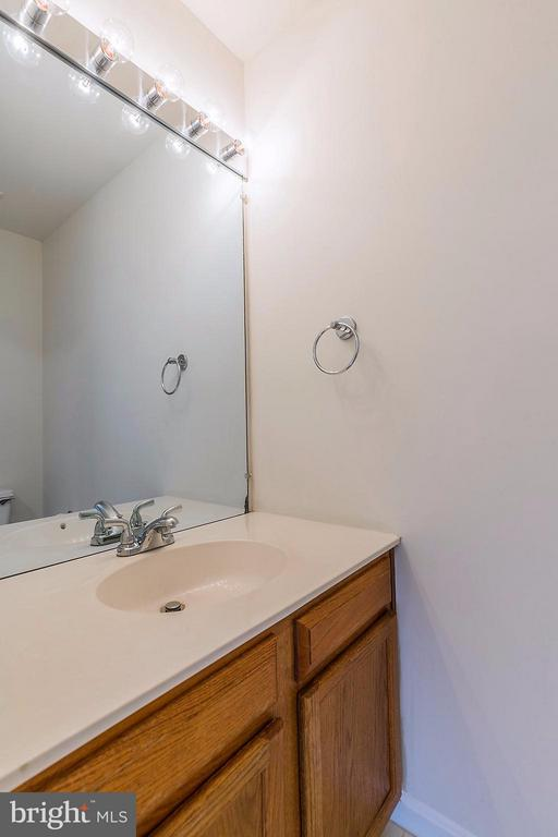 Powder Room on Main Level - 2585 MIRANDA CT, WOODBRIDGE