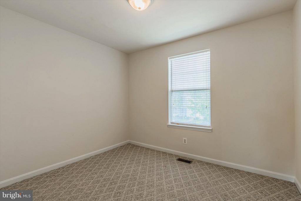 Second Bedroom - 2585 MIRANDA CT, WOODBRIDGE