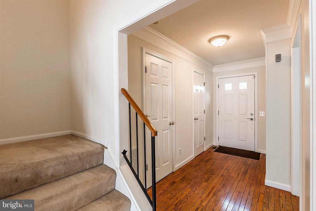 Foyer - 2585 MIRANDA CT, WOODBRIDGE