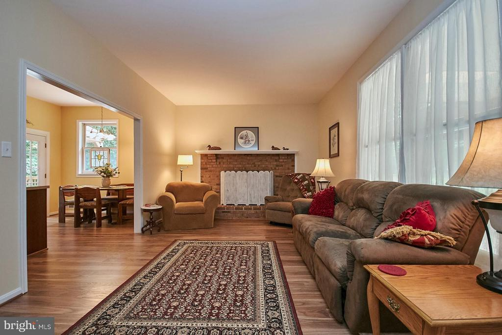 Family Room with Fireplace - 12213 HENDERSON RD, CLIFTON