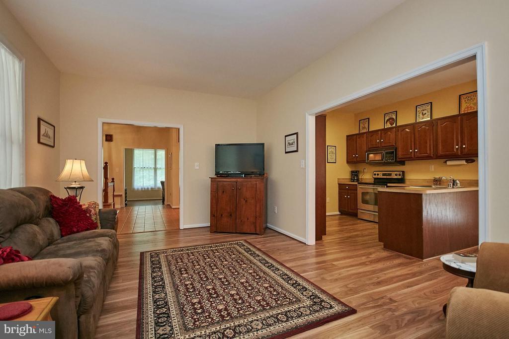 Adjoining Kitchen - 12213 HENDERSON RD, CLIFTON