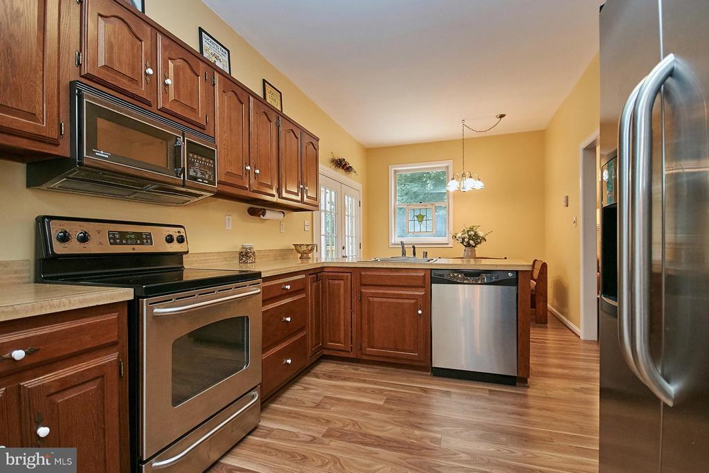 Kitchen - 12213 HENDERSON RD, CLIFTON