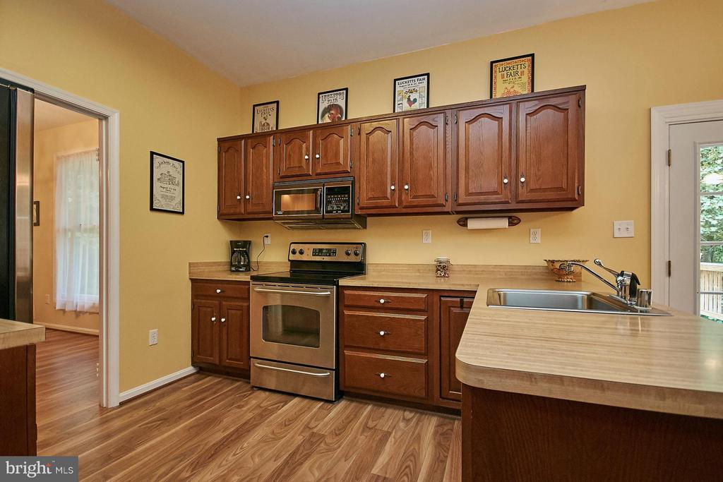 Kitchen - 12213 HENDERSON RD, CLIFTON