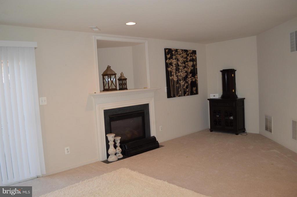 Basement Family Room - 42508 DESOTO TER, BRAMBLETON