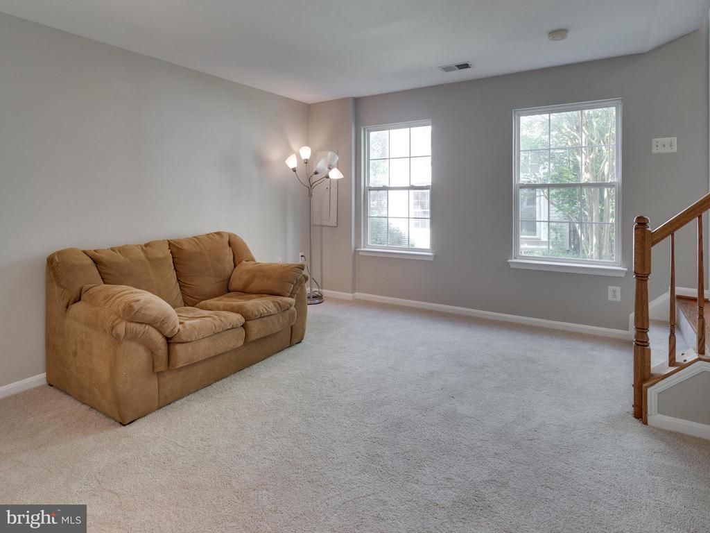 Family Room - 4128 FOUNTAINSIDE LN, FAIRFAX