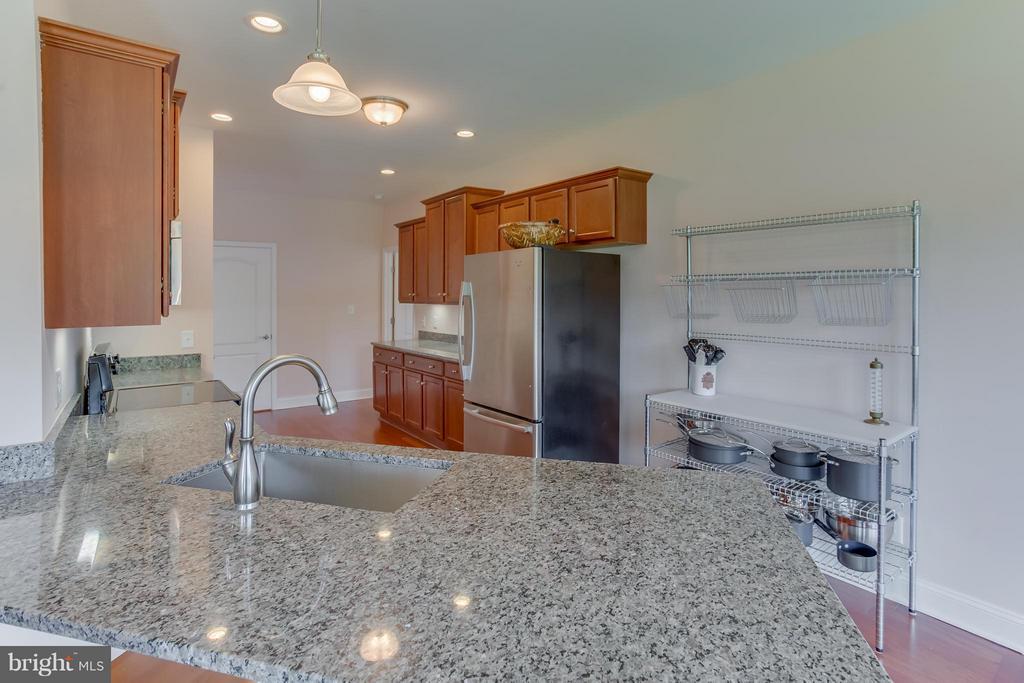 Kitchen with granite countertops - 7929 DOWD FARM RD, SPOTSYLVANIA