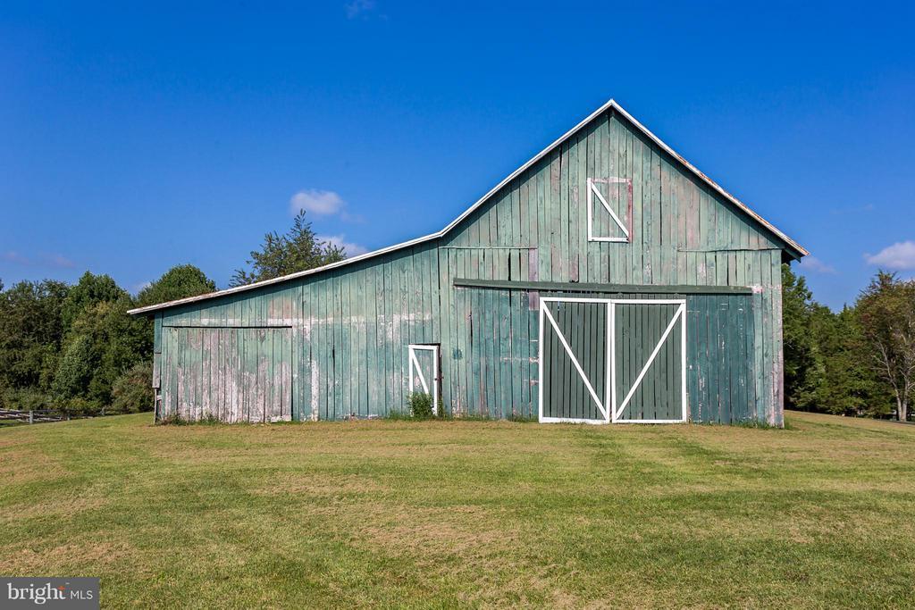 Property also includes a pole barn - 7929 DOWD FARM RD, SPOTSYLVANIA