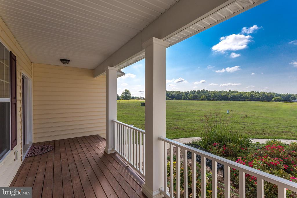 Sit and relax on the front porch - 7929 DOWD FARM RD, SPOTSYLVANIA