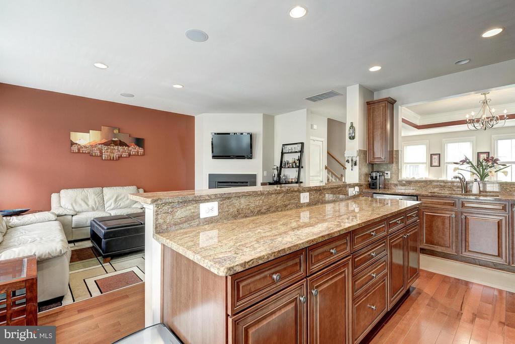 Lots of Counter Space in the Kitchen - 2527 KENMORE CT, ARLINGTON
