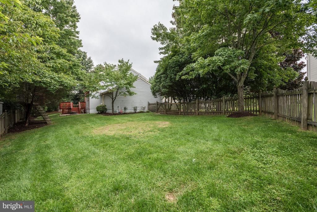 Exterior Backyard - Fenced In - 21314 THIMBLEWEED CT, ASHBURN