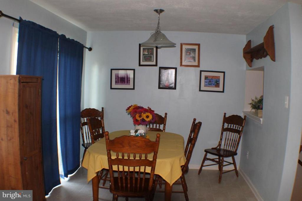 Dining Room - 117 MONTICELLO SQ, WINCHESTER
