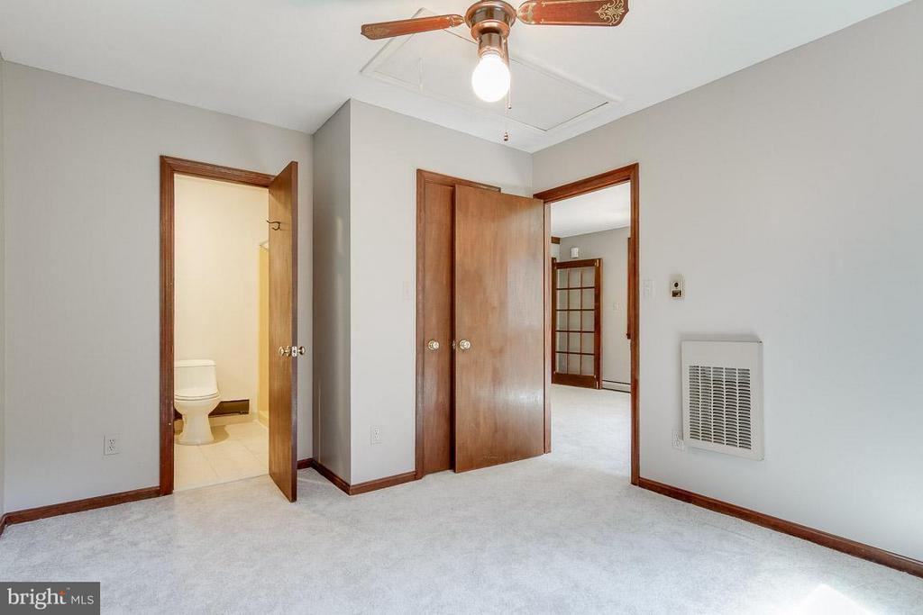 Bedroom (Master) Main Level - 41 BLUE RIDGE ST, WARRENTON