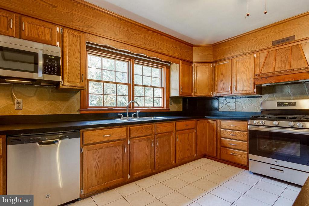 Kitchen - 41 BLUE RIDGE ST, WARRENTON