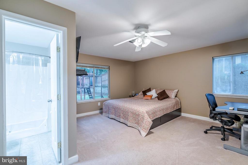 Bedroom (Master) - 1504 MILLIKENS BEND RD, HERNDON