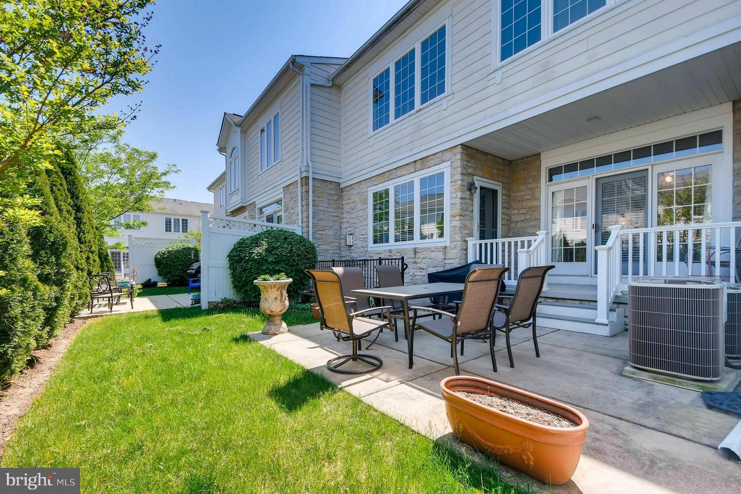 Additional photo for property listing at 8729 Endless Ocean Way #30  Columbia, Maryland 21045 United States