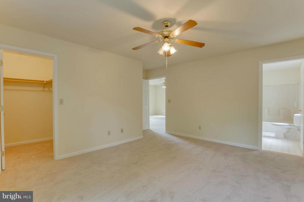 Family Room towards upper bedrooms - 214 WILDERNESS LN, LOCUST GROVE