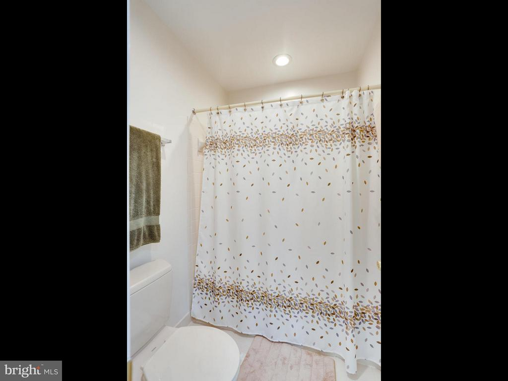 Bath (Master) - 12336 MANCHESTER WAY, WOODBRIDGE