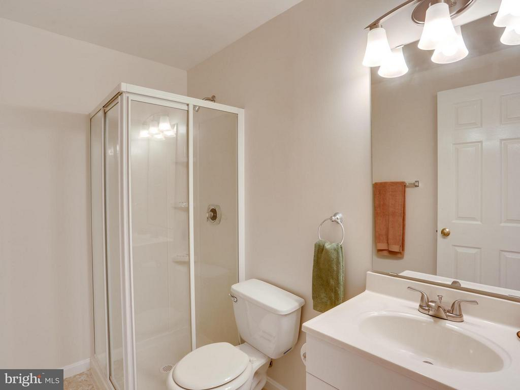 LL Third Full bath - 12336 MANCHESTER WAY, WOODBRIDGE
