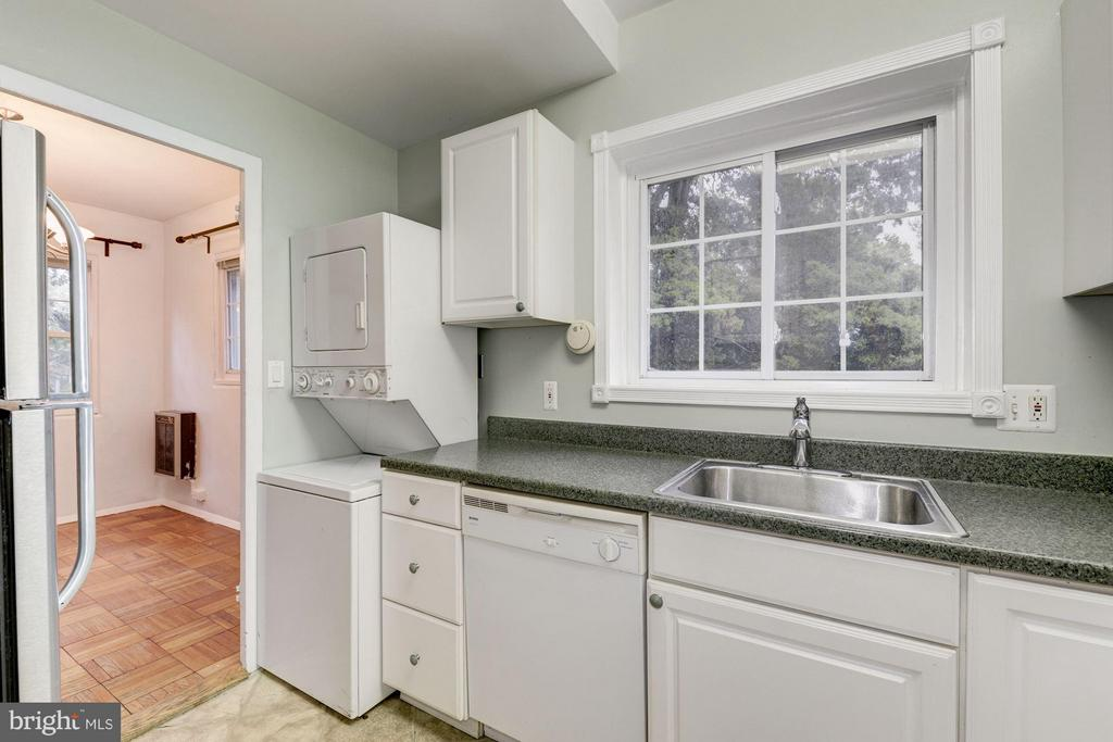 Washer/dryer in-unit (rare) - 3340 MARTHA CUSTIS DR #215, ALEXANDRIA