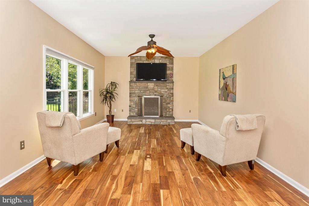 Brazilian Ash hardwood flooring. - 2301 FARMERS CT, ADAMSTOWN