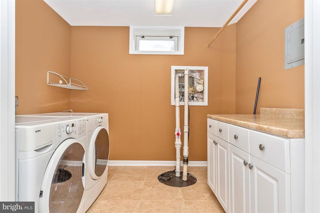 Laundry room. - 2301 FARMERS CT, ADAMSTOWN