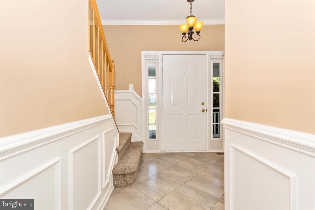 Custom ceramic flooring. - 2301 FARMERS CT, ADAMSTOWN
