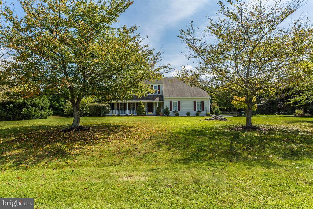 Over a 2 acre lot. - 2301 FARMERS CT, ADAMSTOWN