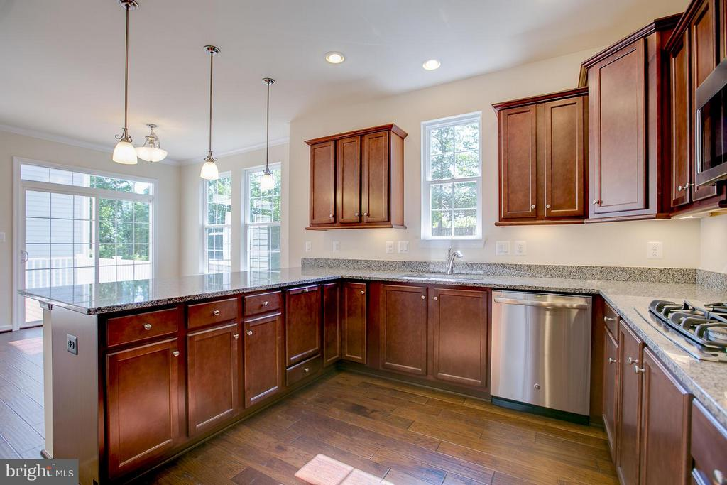 GE Stainless Steel Appliances - 336 PEAR BLOSSOM RD, STAFFORD
