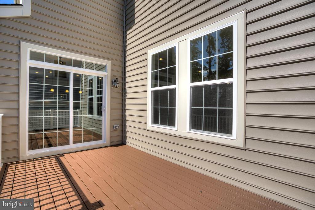 9 x 15 Composite Deck - 336 PEAR BLOSSOM RD, STAFFORD