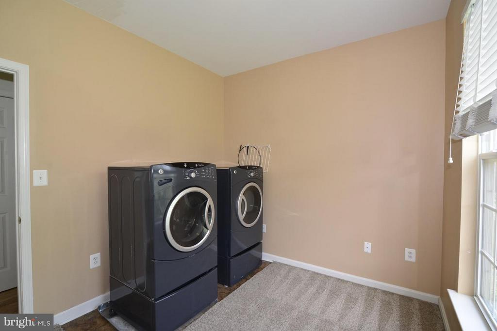 Laundry room - 17233 MAGIC MOUNTAIN DR, ROUND HILL