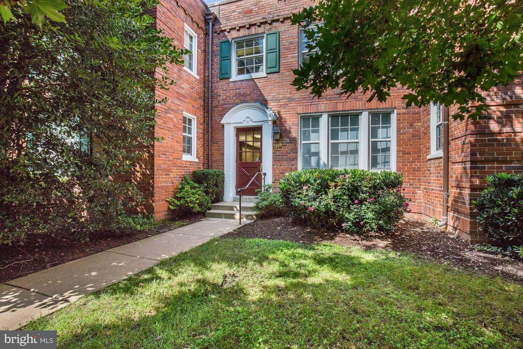 WELCOME HOME! - 1736 QUEENS LN #3-192, ARLINGTON