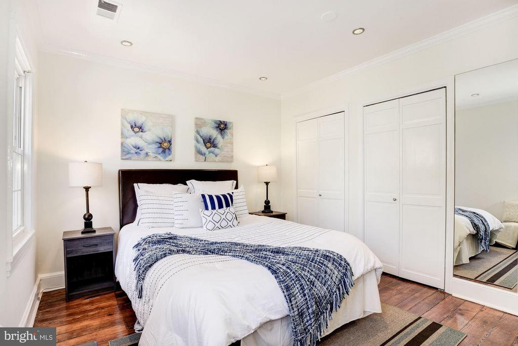 Bedroom with High Ceilings and Dual Closets - 2806 DUMBARTON ST NW, WASHINGTON