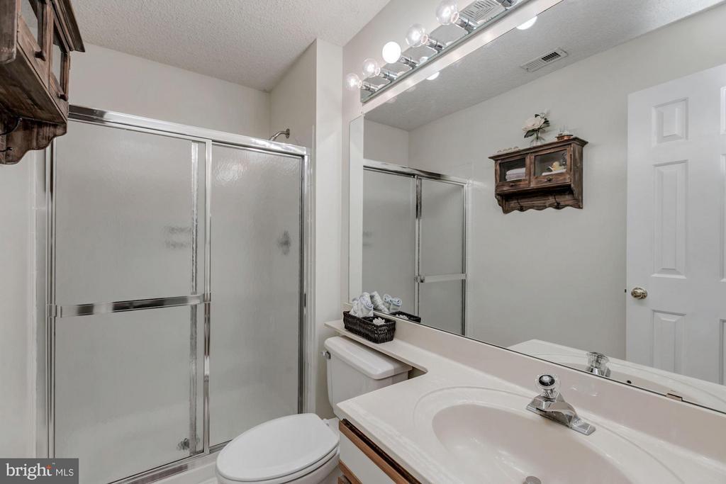 FULL BATHROOM #2 - 12105 GREEN LEDGE CT #302, FAIRFAX