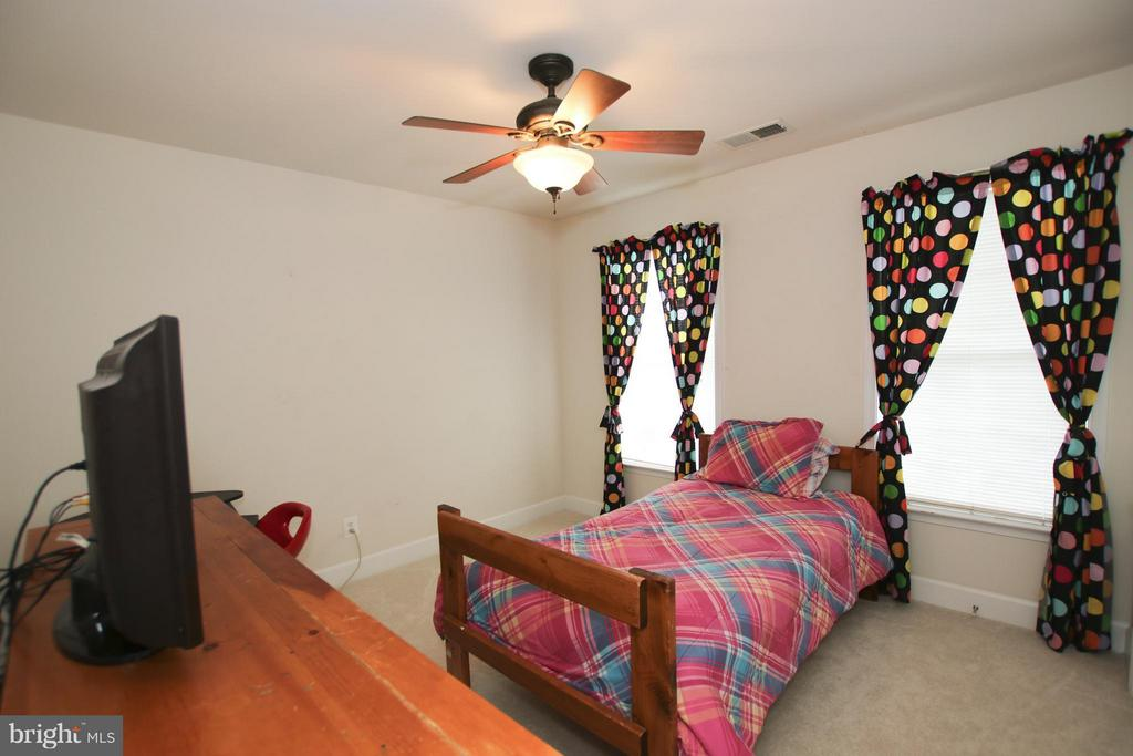 You'll find ceiling fans in all the bedrooms - 9406 OLD SETTLE CT, MANASSAS