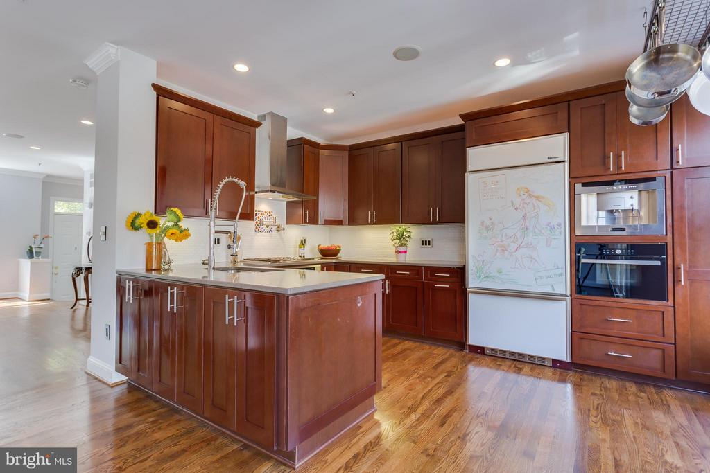 Gourmet Chef's Kitchen - 1512 COLONIAL TER N, ARLINGTON