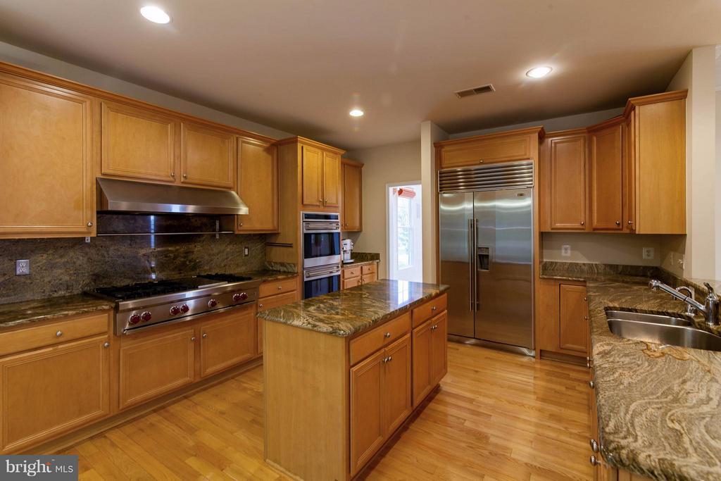 Kitchen - 5658 TOWER HILL CIR, ALEXANDRIA