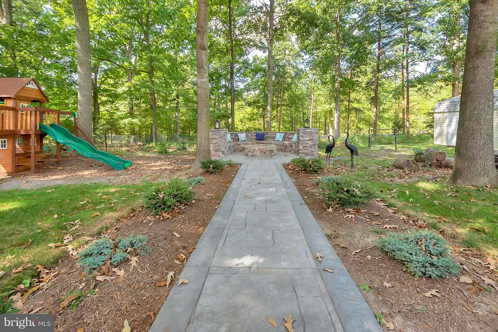 View leading to Firepit Area - 11906 HUNTING RIDGE DR, FREDERICKSBURG