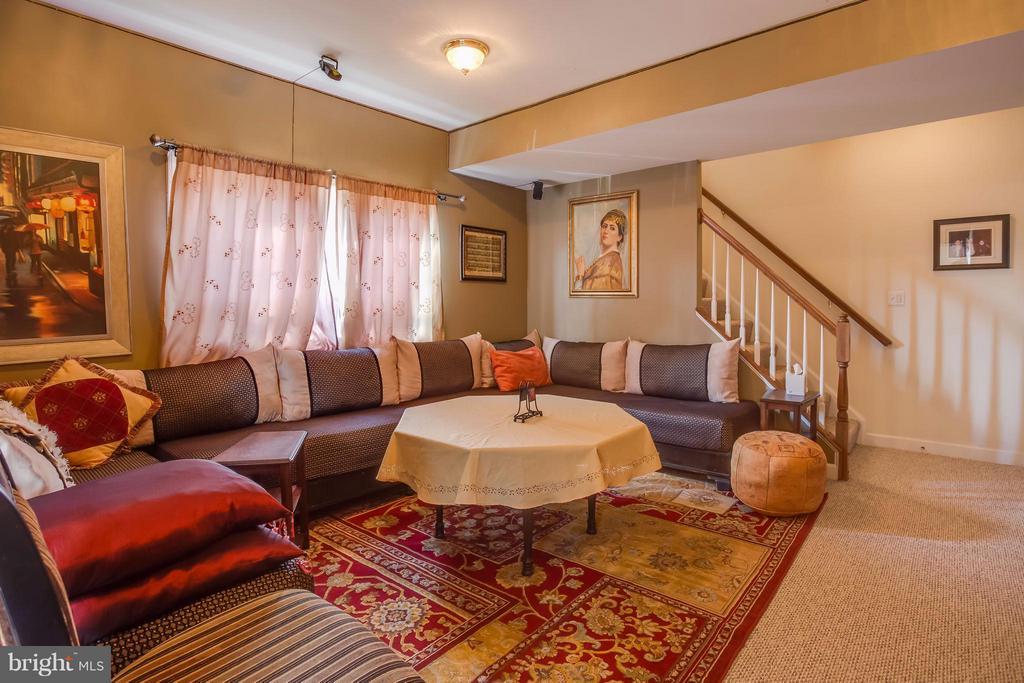 Spacious Main Level Recreation Room/Basement - 8199 MCCAULEY WAY, LORTON
