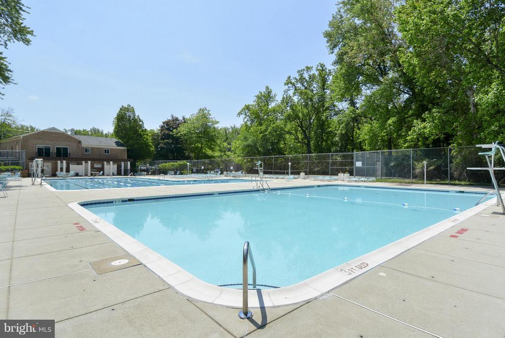 Community Pool - 10661 MONTROSE AVE #M-101, BETHESDA