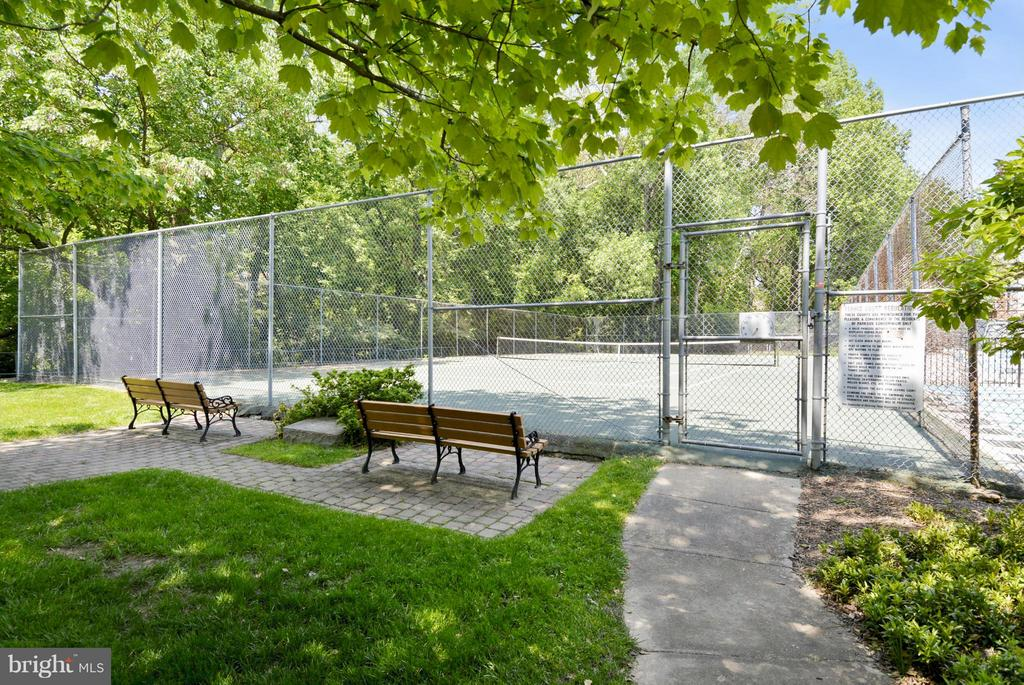 Community Tennis Courts - 10661 MONTROSE AVE #M-101, BETHESDA