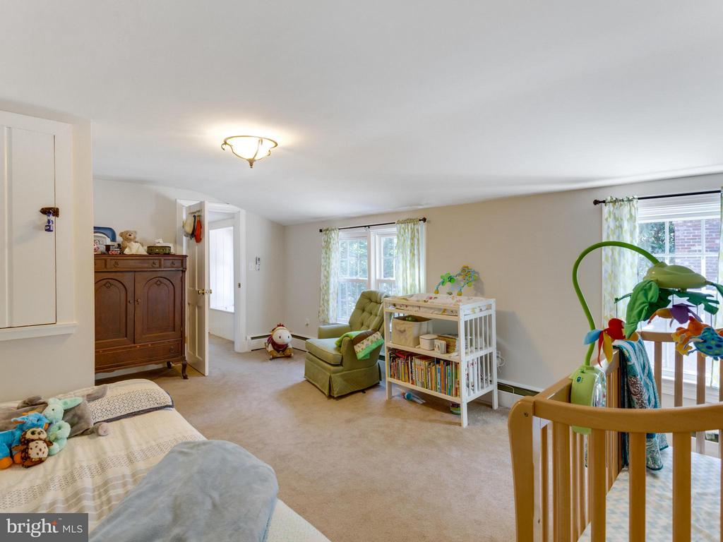 Second bedroom is bright and cheery! - 5624 GLENWOOD DR, ALEXANDRIA