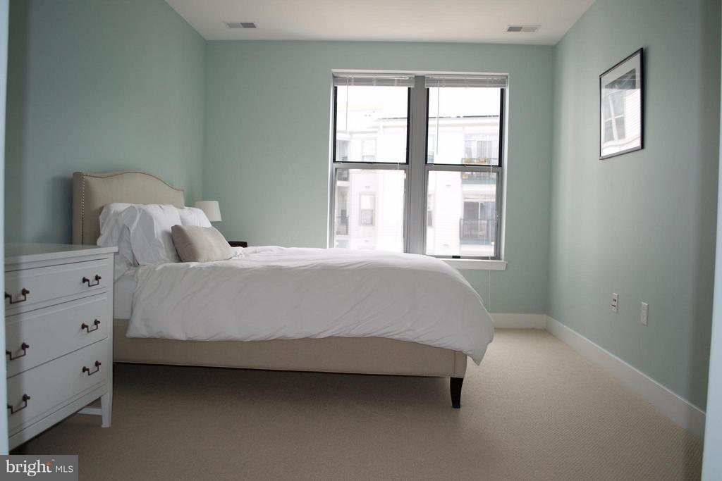 Bedroom (Master) - 1800 WILSON BLVD #323, ARLINGTON