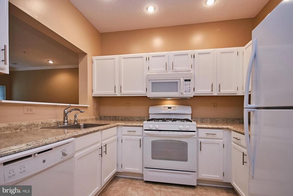Kitchen - 12024 TALIESIN PL #12, RESTON