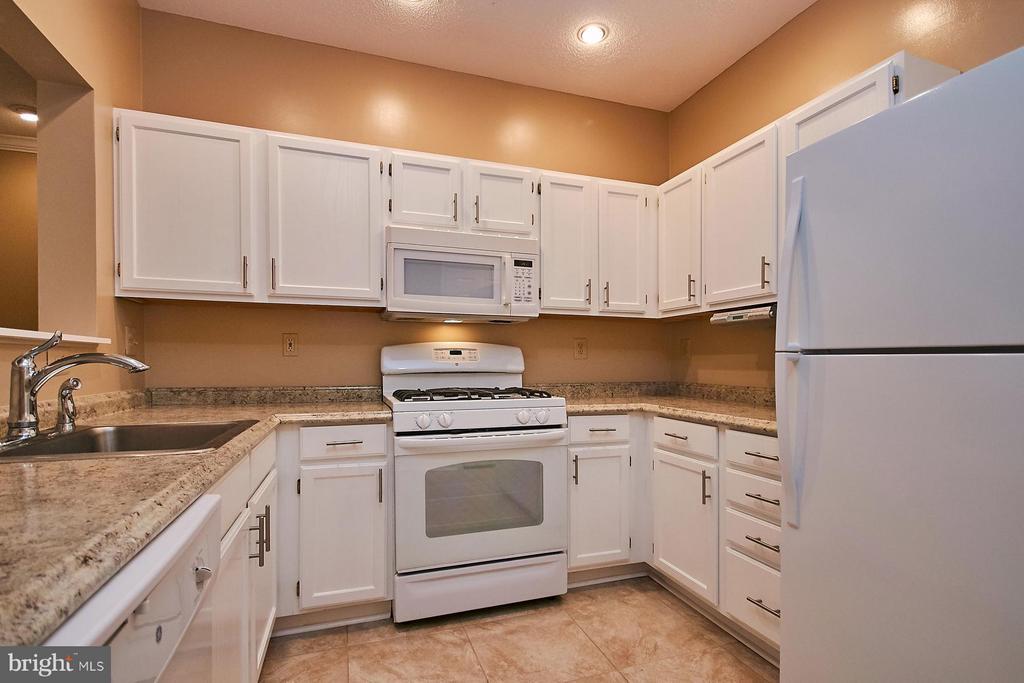 Updated Kitchen - 12024 TALIESIN PL #12, RESTON