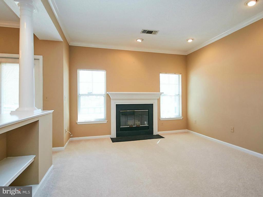 Living Room - 12024 TALIESIN PL #12, RESTON