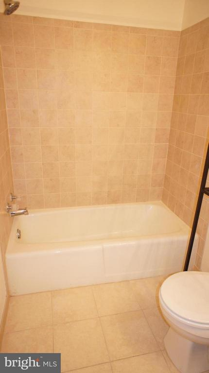 Master Bath - 1405 NORTHGATE SQ #32B, RESTON