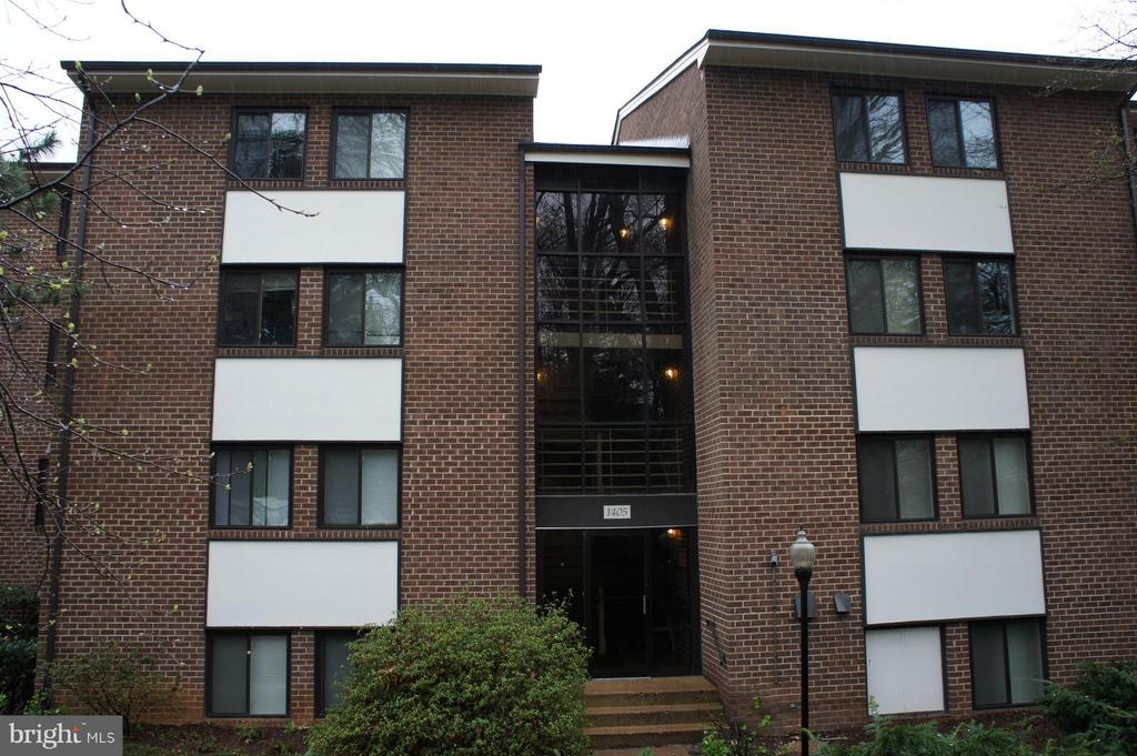 Exterior (Front) - 1405 NORTHGATE SQ #32B, RESTON
