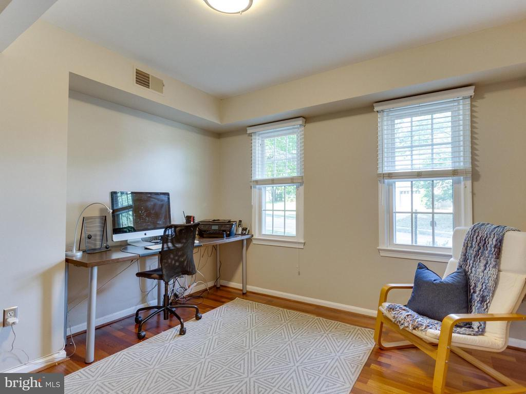 Main level Study/Office could also be 4th Bedroom! - 6229 GENTLE LN, ALEXANDRIA